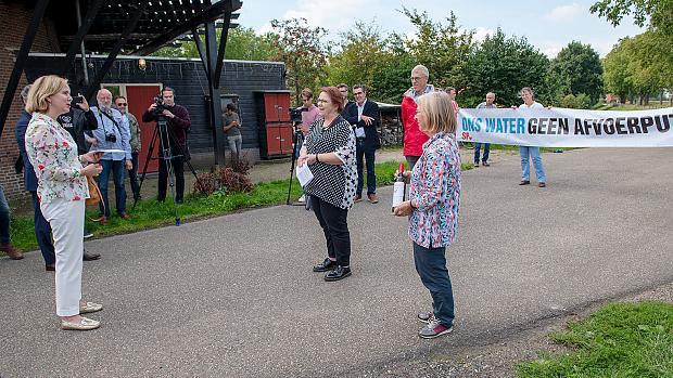 https://oss.sp.nl/nieuws/2020/09/protestactie-tegen-storten-granuliet-in-de-maas